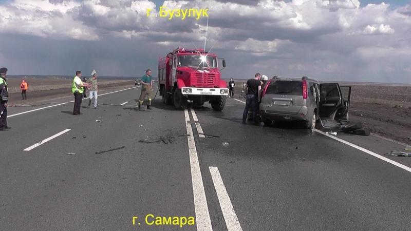 В крупной аварии погибли двое человек, пятеро попали в больницу