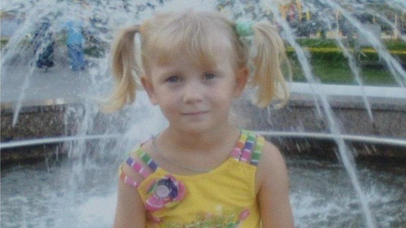 Смерть девочки, подавившейся ручкой зонтика, будут расследовать