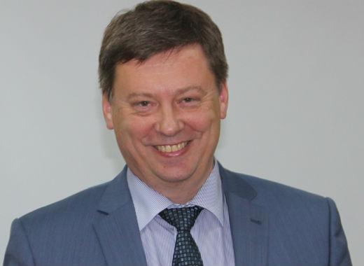Боится ли Олег Фурсов данайцев, приносящих дары?