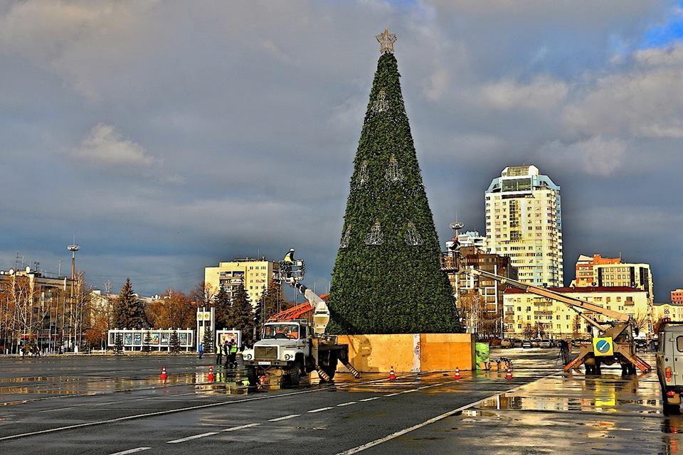 Главную ёлку Самары зажжёт Дед Мороз из Великого Устюга