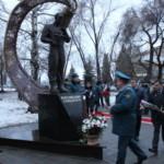 На ул. Молодогвардейской открыли памятник спасателю