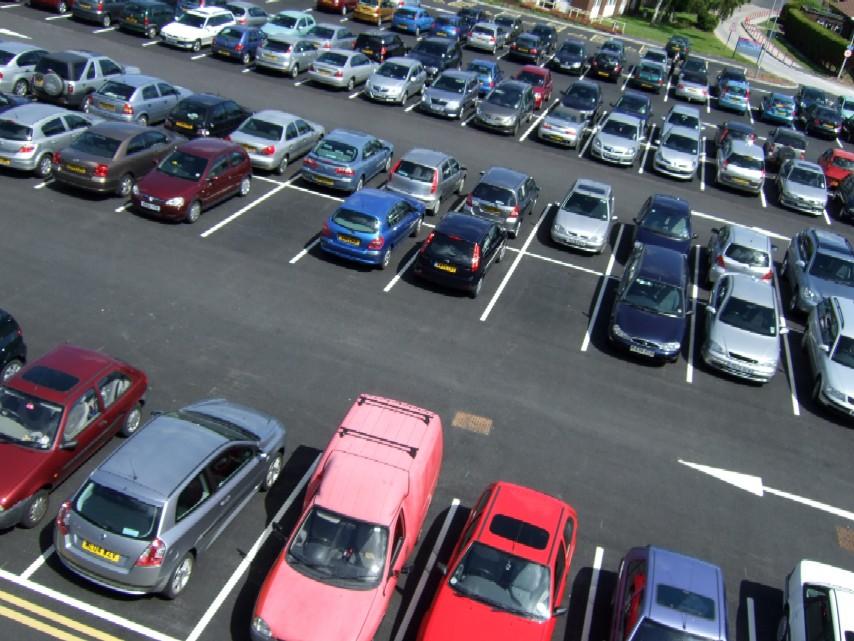 Мэрия заставит застройщиков планировать парковки заранее