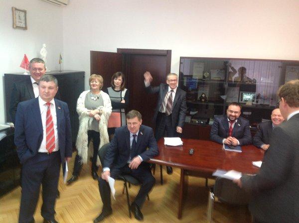 Депутаты КПРФ демонстративно покинули заседание в Самарской Губдуме