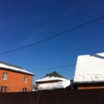 С неочищенных крыш на самарцев летят глыбы льда