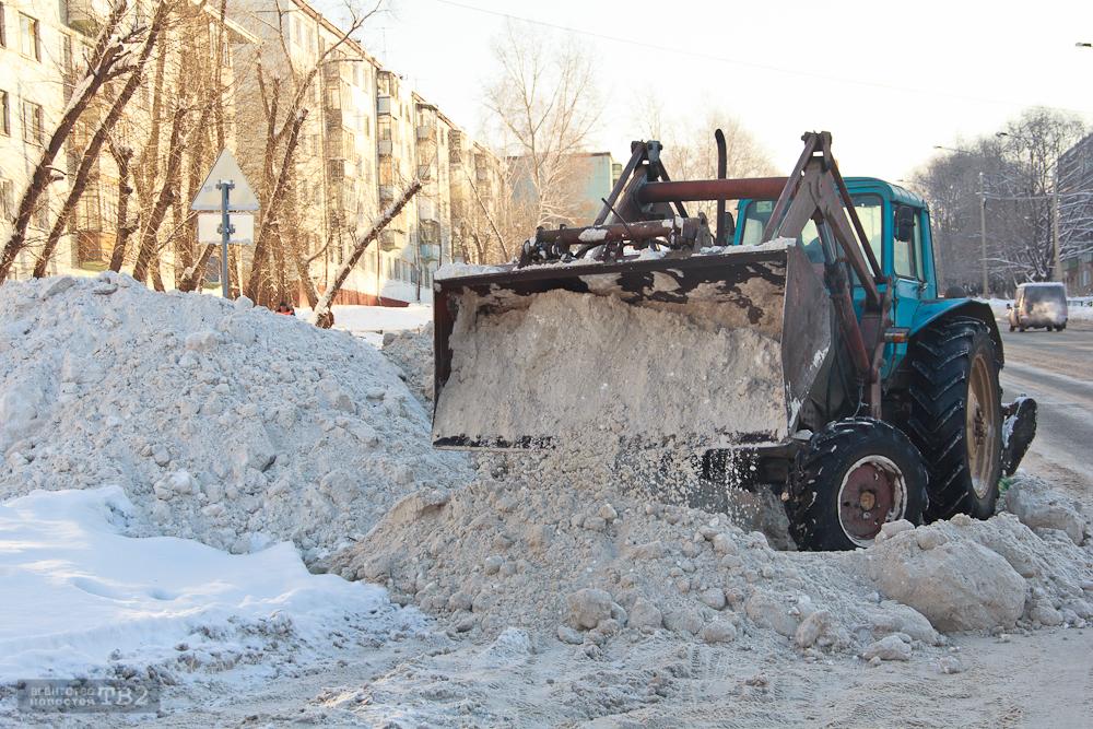 Прокуратура наказала коммунальщиков за дворы и дороги в Октябрьском районе