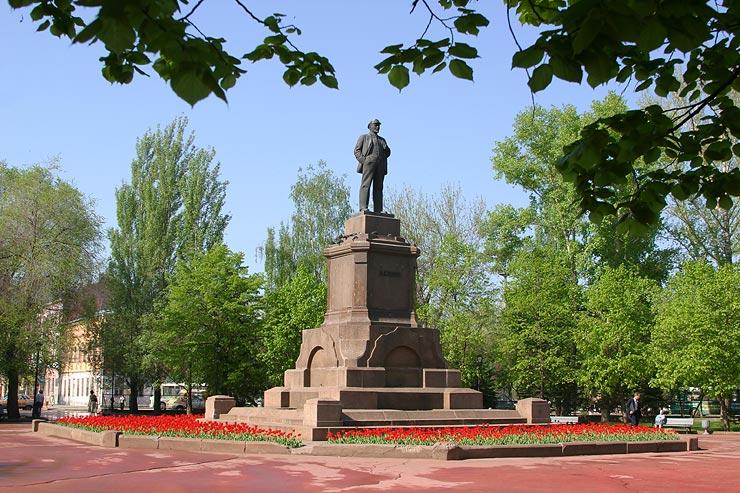 Ленин снова пострадал
