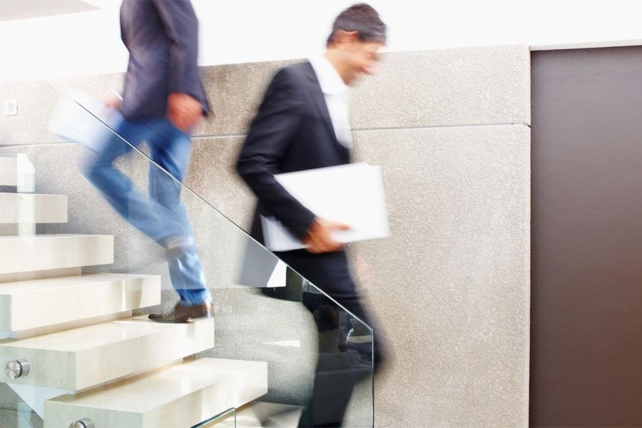 Критерии выбора и преимущества поручней для лестниц из нержавеющей стали
