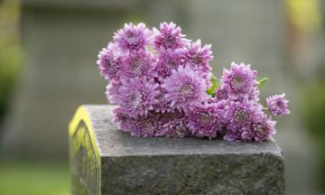 Памятник на могилу усопшего: нюансы выбора