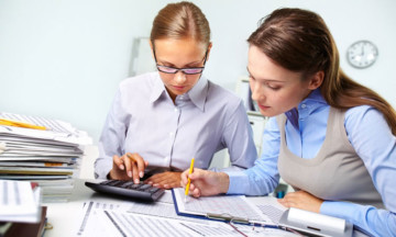 Ведение бухгалтерии сторонней компанией: преимущества аутсорсинга