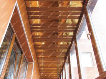 Реечные подвесные потолки: преимущества, виды исферы применения