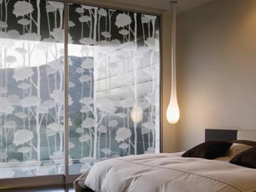 Декоративная самоклеящаяся пленка для стекла всовременном дизайне