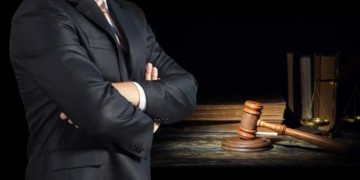 Как выбрать адвоката?
