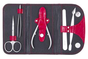 Как выбрать профессиональный маникюрный инструмент